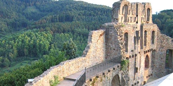 Auf Ritterpfaden zur Burgruine
